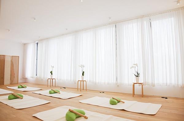 10 Einheiten Yoga à 90 Miuten