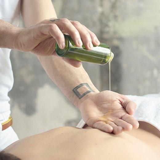 Aromaöl-Massage (45 Minuten)